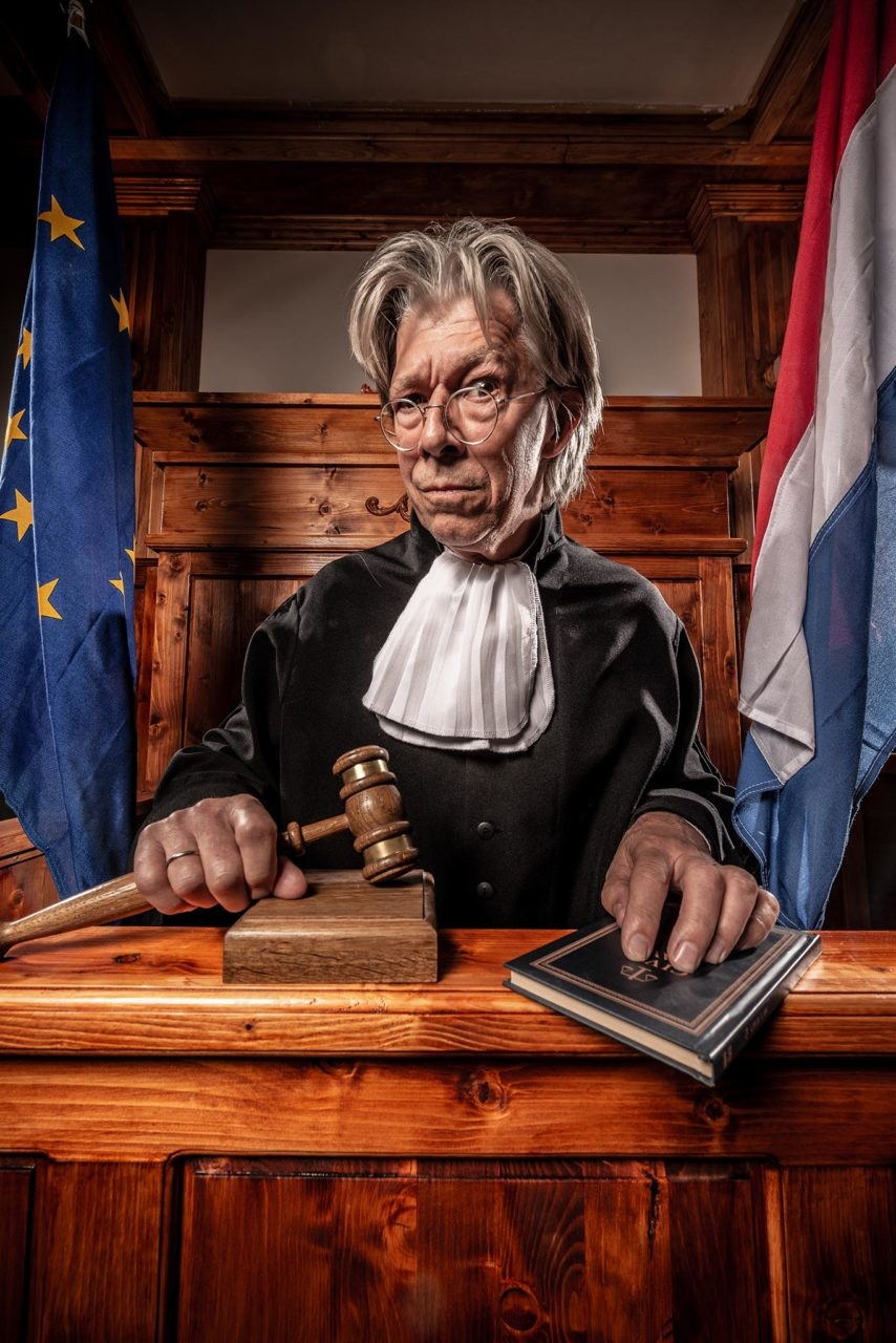 The_Great_Escape-The Courtroom-Rechter2